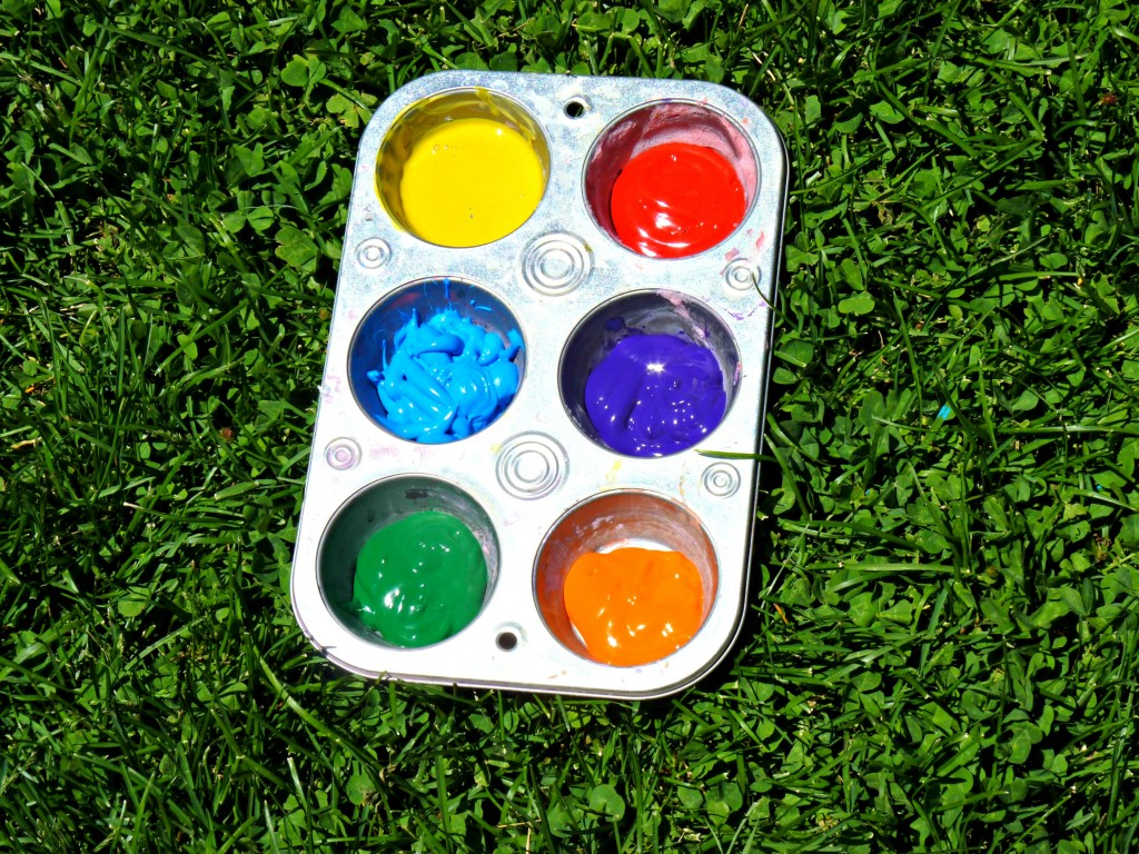 paint in cupcake tin